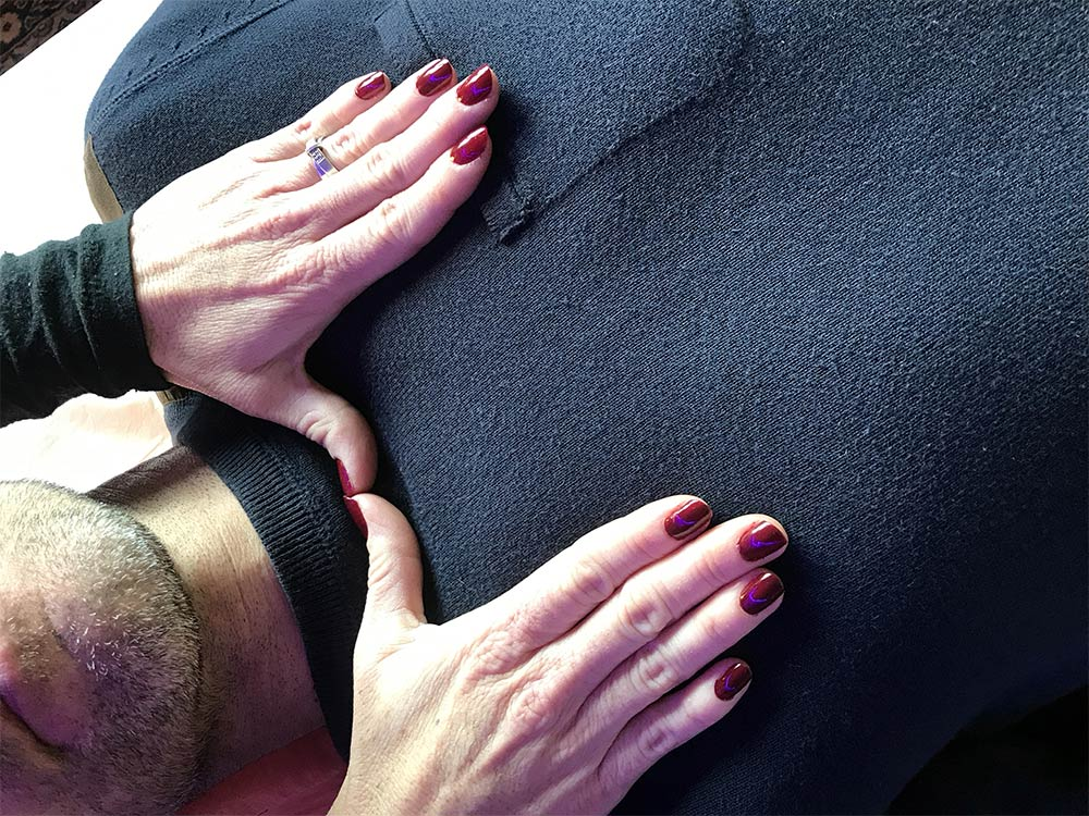 LaHoChi par imposition des mains et énergies